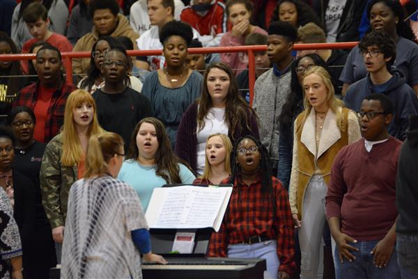 SPHS choir to hold Christmas concert Dec. 14